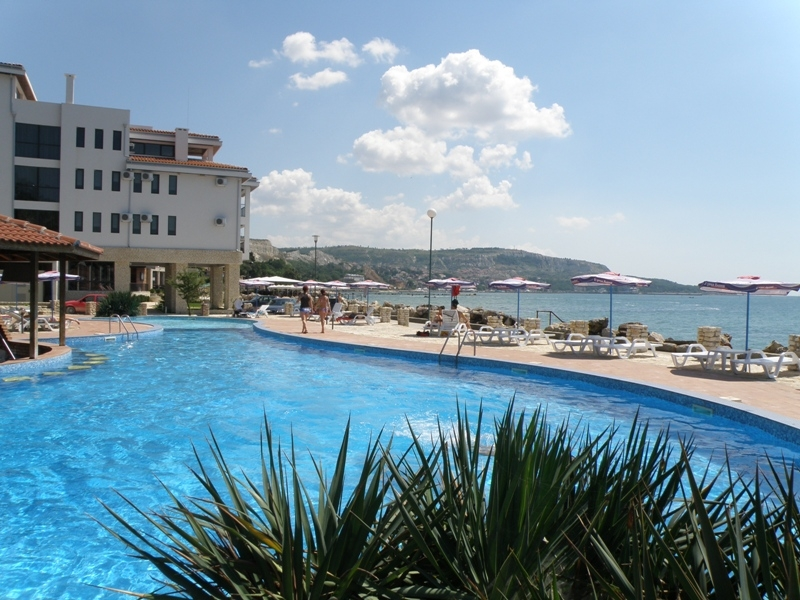 The pool at Hotel Regina Maria. Photo Credit: Bulgarian Sea Resorts.