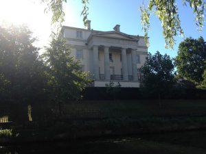 Regent Canal London Mansions